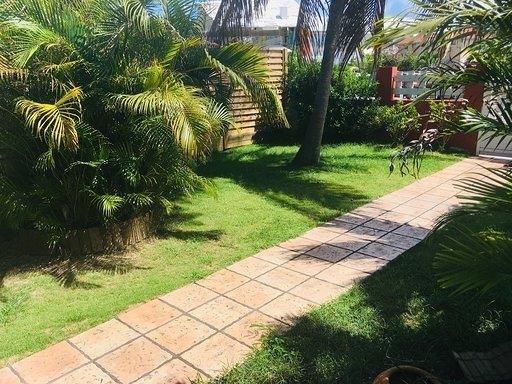 Sale house / villa St francois 345000€ - Picture 2