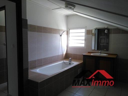 Location maison / villa Sainte marie 1 550€ CC - Photo 6