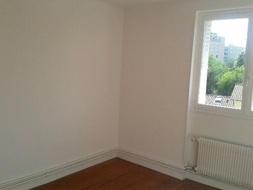 Location appartement Gleize 601,92€ CC - Photo 3