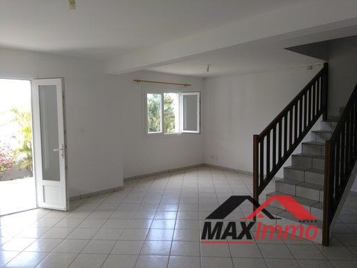 Location maison / villa Sainte marie 1 550€ CC - Photo 3