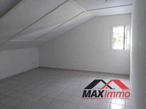 Location maison / villa Sainte marie 1 550€ CC - Photo 5