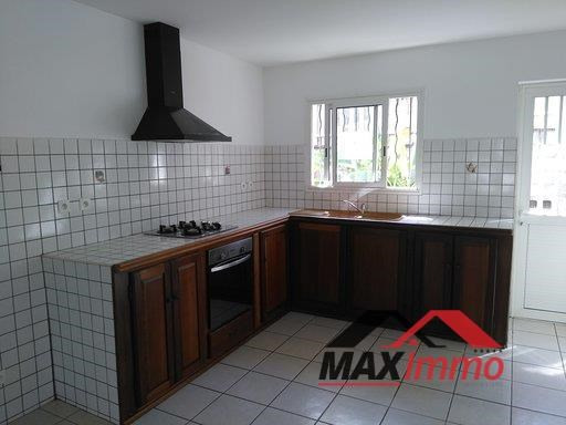 Location maison / villa Sainte marie 1 550€ CC - Photo 2