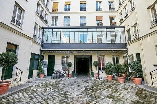 Location local commercial Paris 9ème 2417€ HT/HC - Photo 3