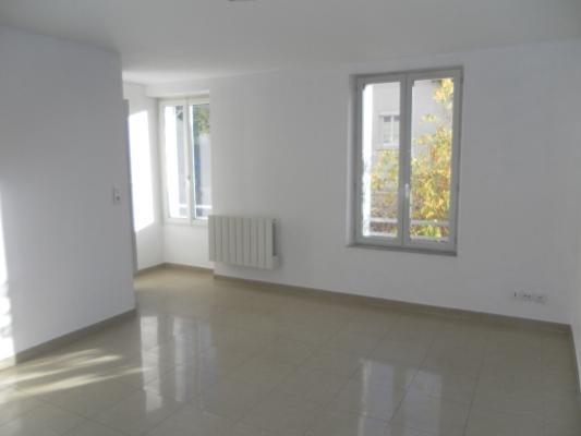 Location appartement Lagny-sur-marne 730€ CC - Photo 1
