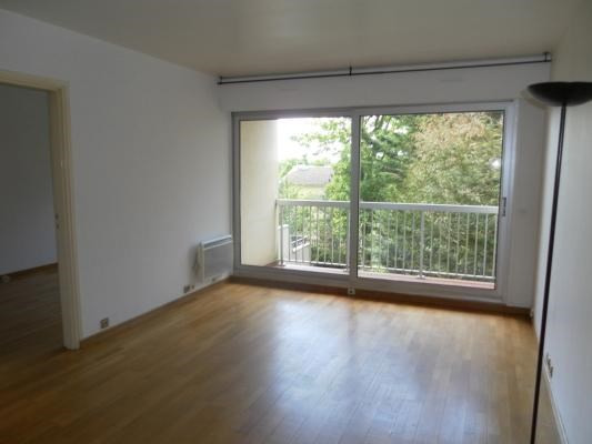 Location appartement Le raincy 930€ CC - Photo 1