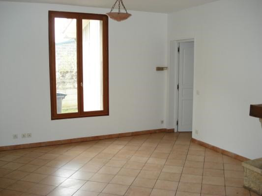 Location maison / villa Livry-gargan 1 240€ CC - Photo 4