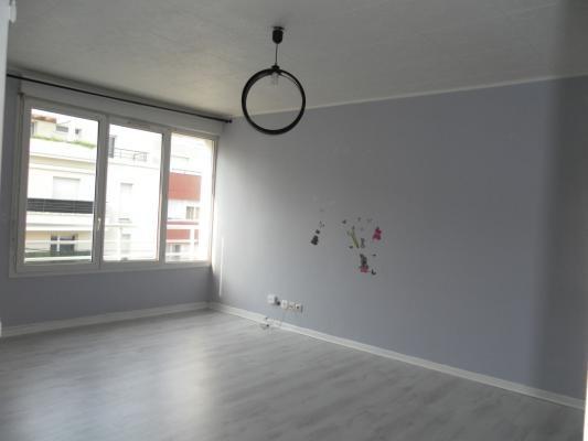 Sale apartment Livry-gargan 144000€ - Picture 2