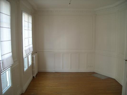 Rental apartment Le raincy 1630€ CC - Picture 2