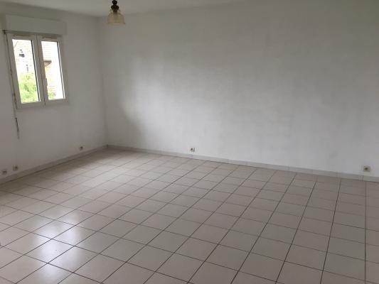 Location appartement Les pavillons-sous-bois 630€ CC - Photo 2