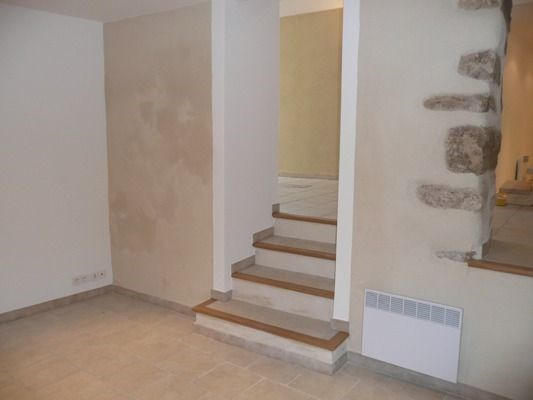 Rental house / villa Lambesc 958€ CC - Picture 4