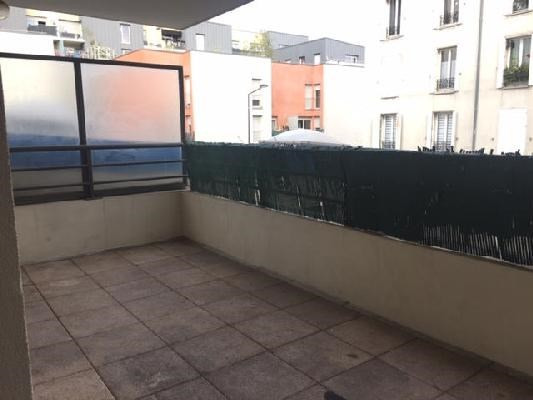 Rental apartment Saint-denis 1070€ CC - Picture 7