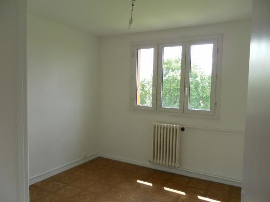 Rental apartment Les pavillons-sous-bois 840€ CC - Picture 4
