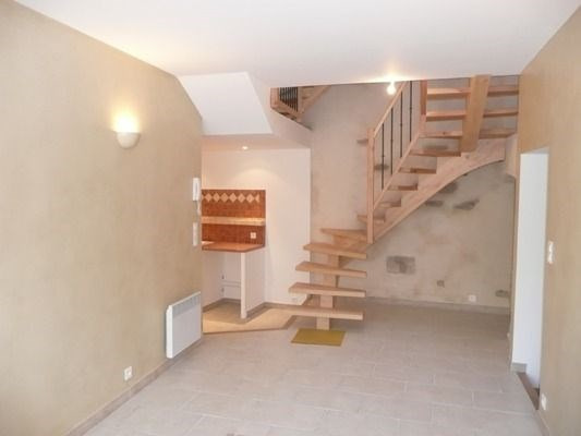 Rental house / villa Lambesc 958€ CC - Picture 2