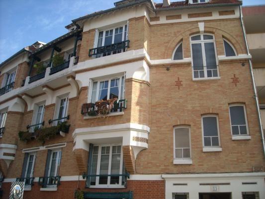 Rental apartment Le raincy 1630€ CC - Picture 1
