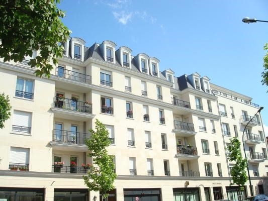 Rental apartment Le raincy 710€ CC - Picture 2