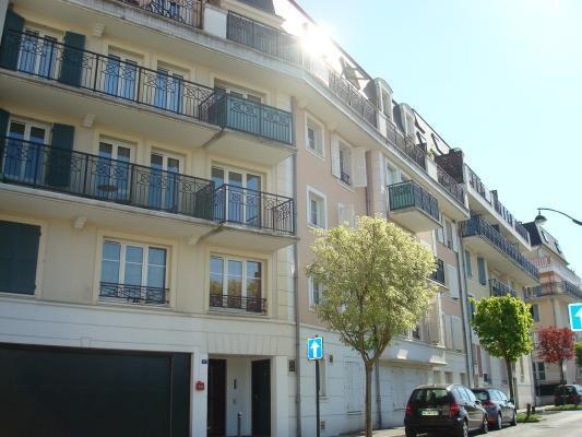 Location appartement Les pavillons-sous-bois 625€ CC - Photo 1