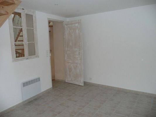 Location maison / villa Lambesc 958€ CC - Photo 7