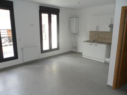 Rental apartment Le raincy 880€ CC - Picture 2