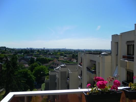 Sale apartment Le raincy 272 000€ - Picture 1