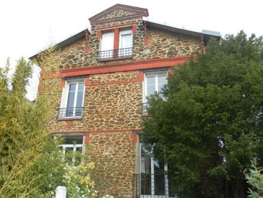 Rental apartment Montfermeil 740€ CC - Picture 1