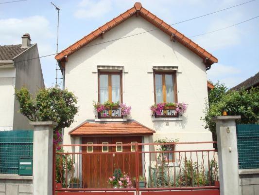 Rental house / villa Sevran 1050€ CC - Picture 1