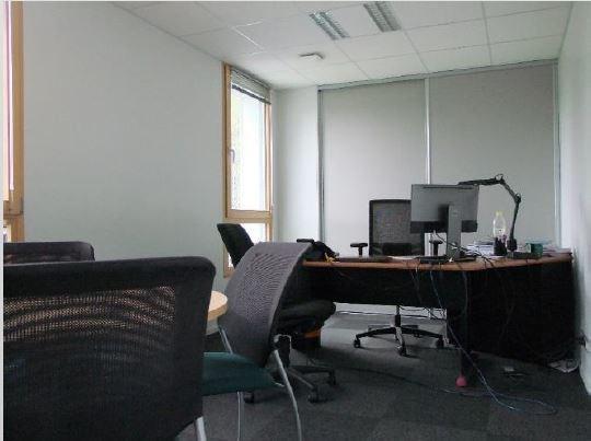 Location bureau Quimper 9859€ HC - Photo 3