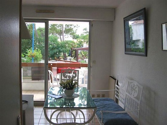 Sale apartment La palmyre 85 600€ - Picture 1