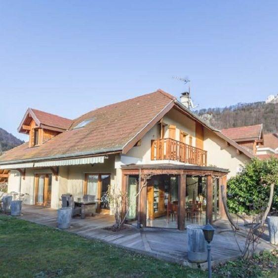Deluxe sale house / villa Menthon st bernard 785000€ - Picture 1