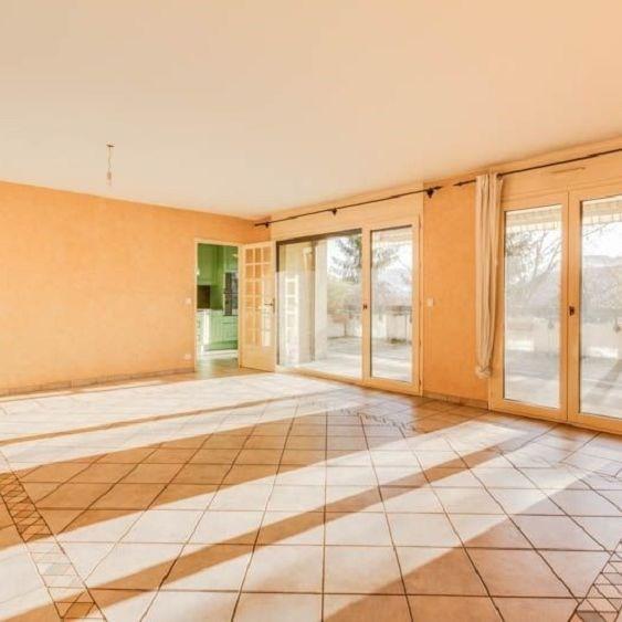 Deluxe sale apartment Annecy le vieux 665000€ - Picture 3