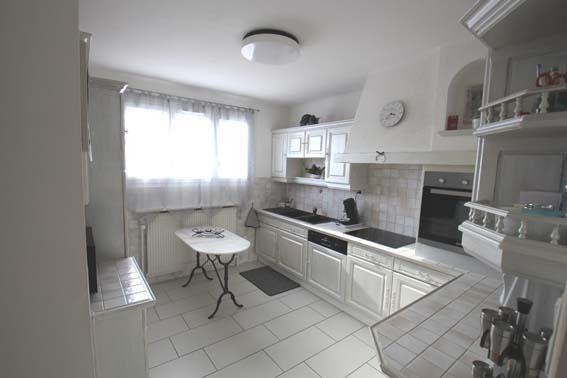 Vente maison / villa Trept 267000€ - Photo 3