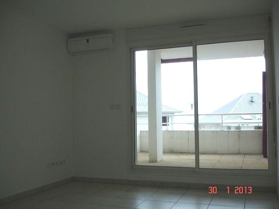 Location appartement Ste clotilde 380€ CC - Photo 1
