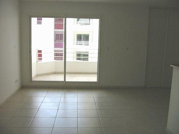 Location appartement St denis 548€ CC - Photo 2
