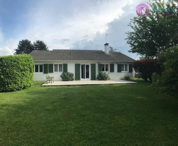 Sale house / villa Lesigny 372000€ - Picture 1