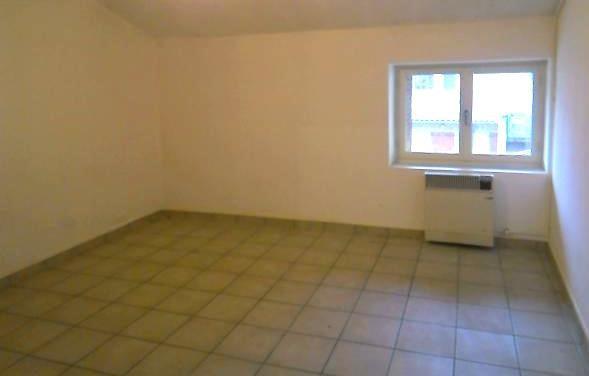 Location appartement Villefranche sur saone 409€ CC - Photo 2