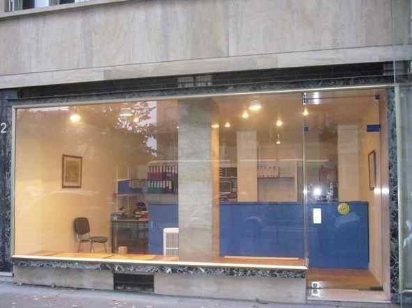 Rental shop Paris 15ème 2917€ HT/HC - Picture 2