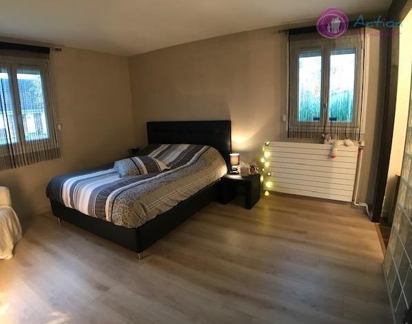 Sale house / villa Lesigny 465000€ - Picture 7