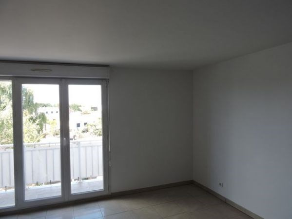 Rental apartment Le plessis pate 1 125€ CC - Picture 5