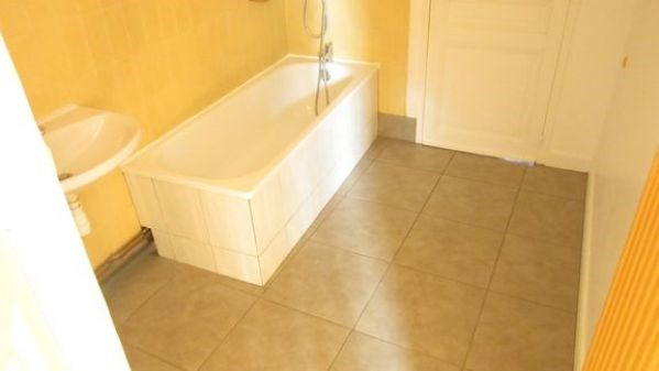 Rental apartment La ferte alais 840€ CC - Picture 4