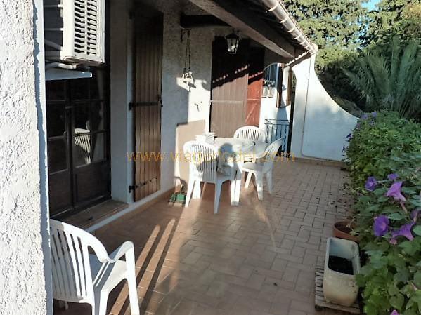 Revenda residencial de prestígio casa Toulon 565000€ - Fotografia 2