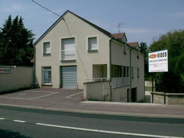 Rental apartment Baulne 690€ CC - Picture 1