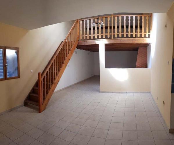 Location appartement Pont de cheruy 595€ CC - Photo 1