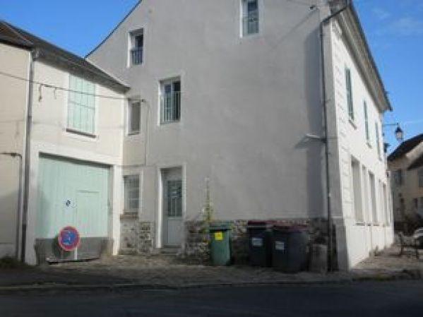 Location appartement Chamarande 560€ CC - Photo 1