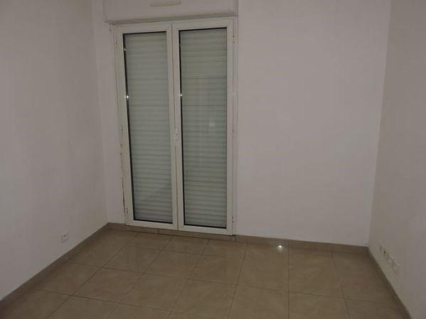 Location appartement Le plessis pate 845€ CC - Photo 5