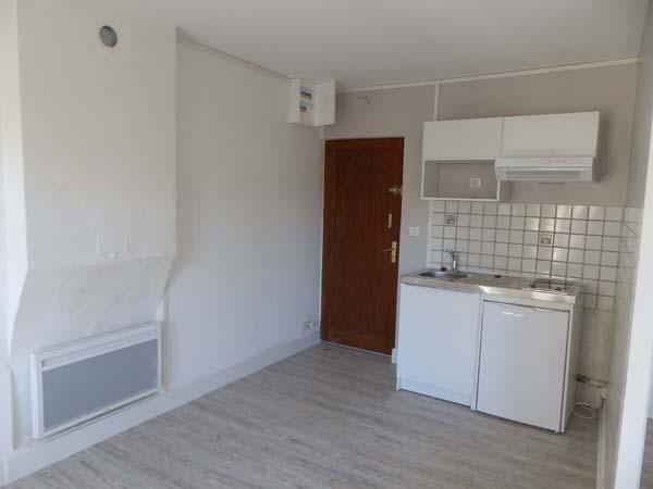 Location appartement Bourgoin jallieu 410€ CC - Photo 2