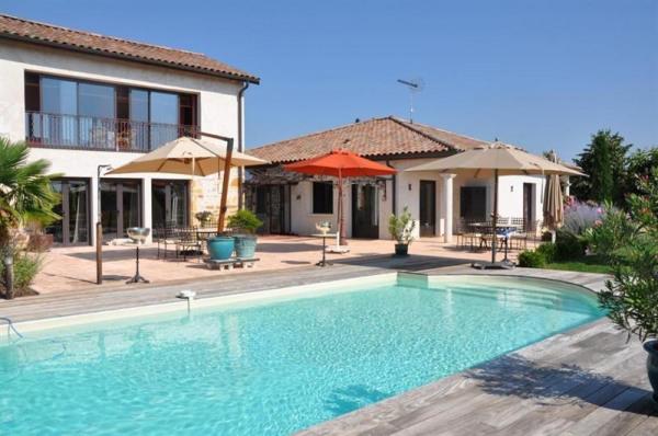A vendre - maison de caractère - Rhône - beaujolais - villefranc