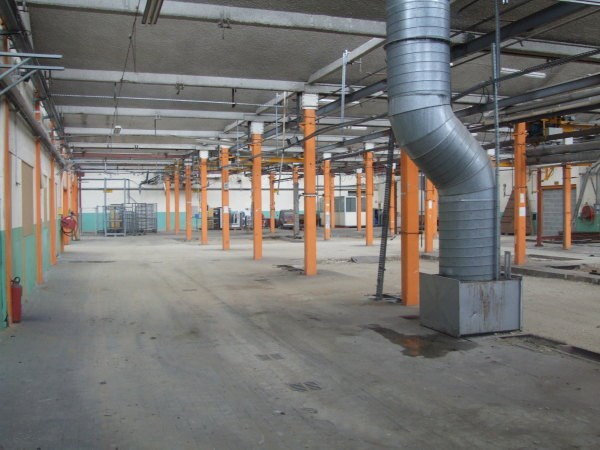 Location local commercial Hieres sur amby 1328€ CC - Photo 4
