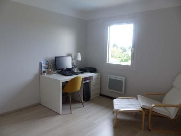 Location maison / villa St savin 1390€ CC - Photo 6