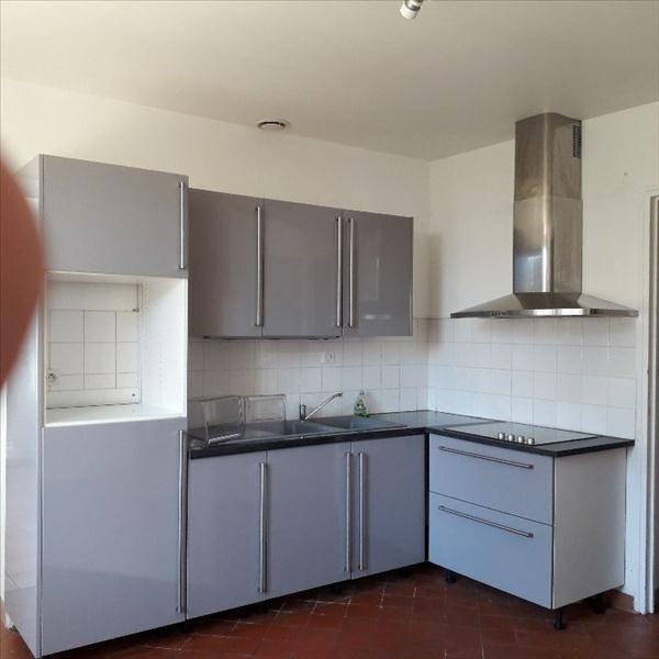 Location maison / villa Villemontoire 750€ CC - Photo 3