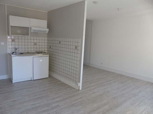 Location appartement Bourgoin jallieu 410€ CC - Photo 3