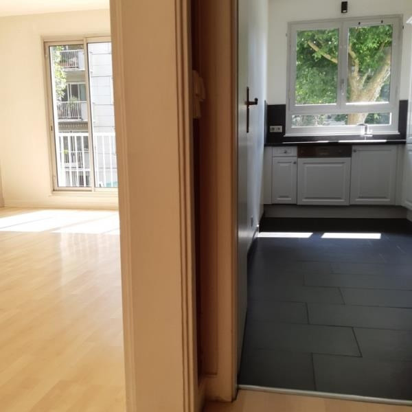 Sale apartment Vaucresson 370000€ - Picture 2
